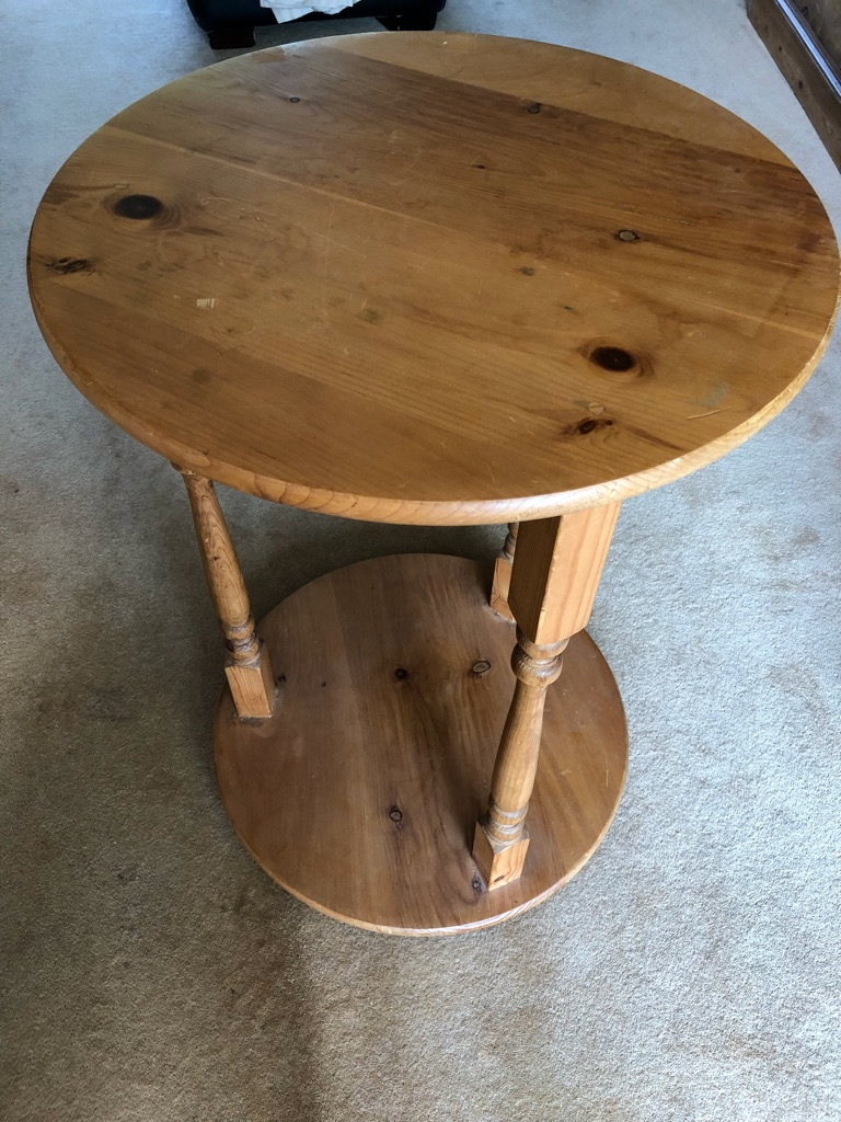 Circular pin occasional table