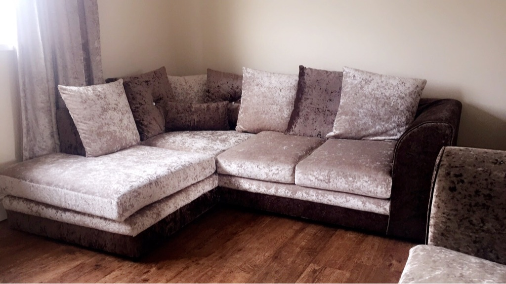 Small corner and 3 seater crushed velvet settees