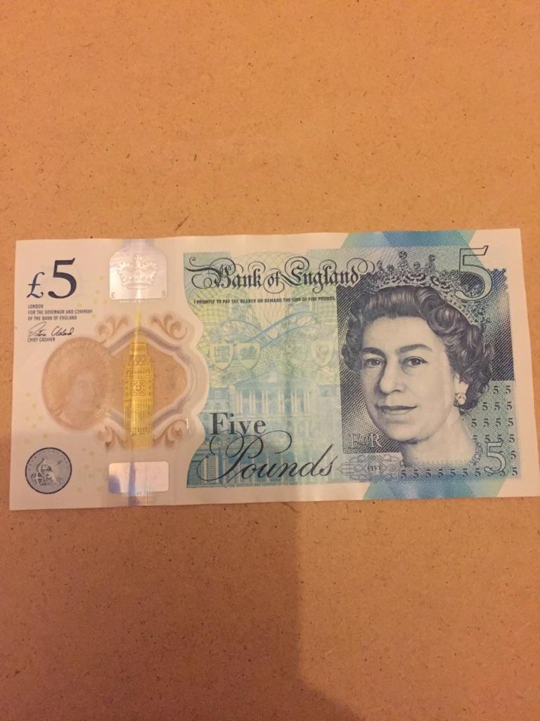 5 pound note AK47. 016774