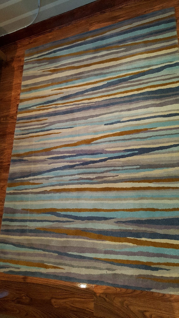 New wool rug 120x170 cost £200