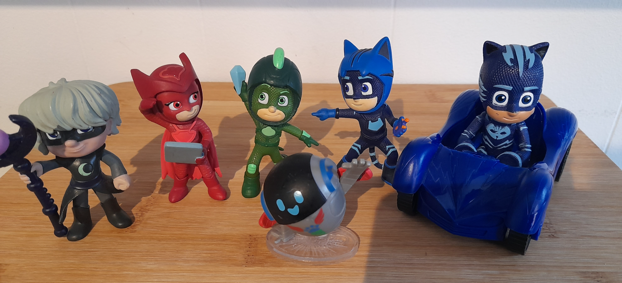 PJ Masks Play Set and Figures