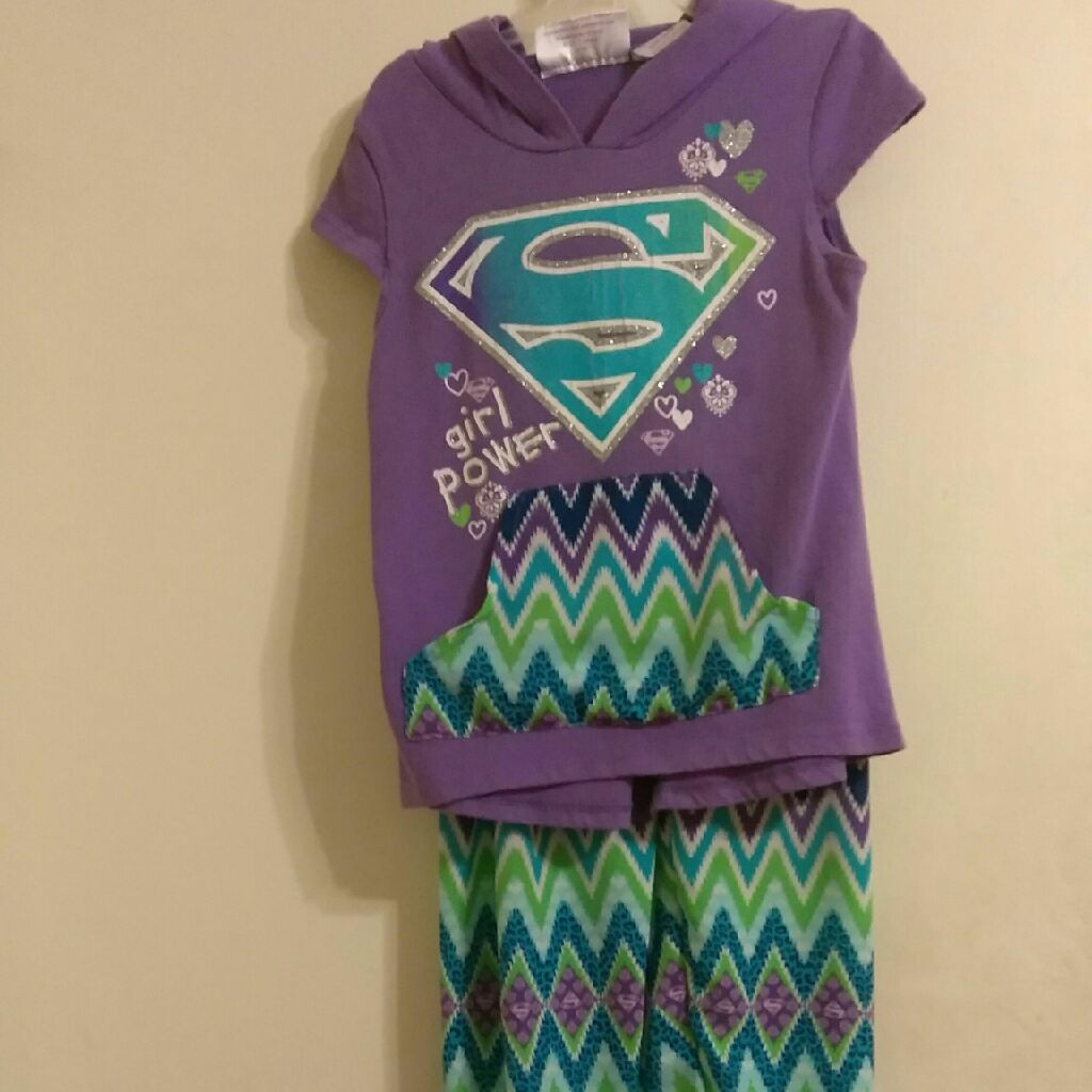 Little girls Supergirl outfit size 6/6x