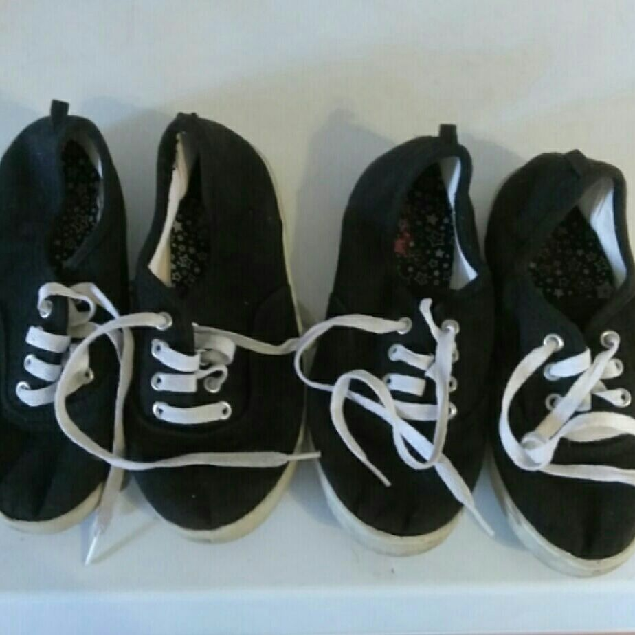 Girls shoes size 1 youth