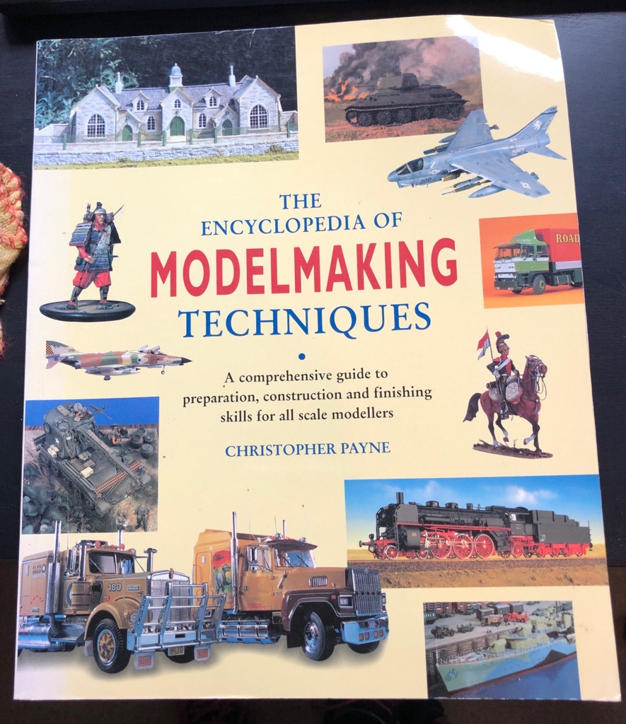 THE ENCYCLOPAEDIA OF MODELMAKING TECHNIQUES BOOK