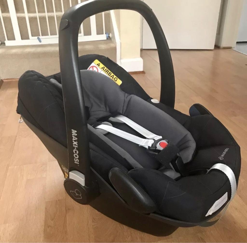 Maxi Cosi Pebble Plus Car Seat with i-Size