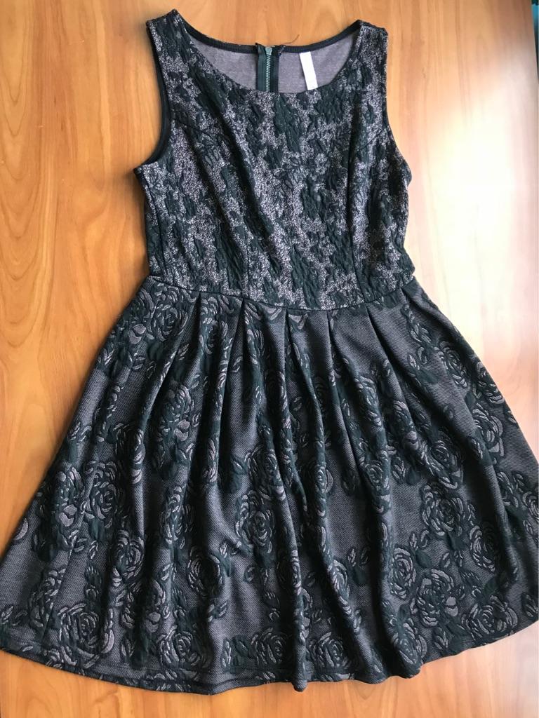 Xhilaration Sleeveless Floral Dress - size Medium