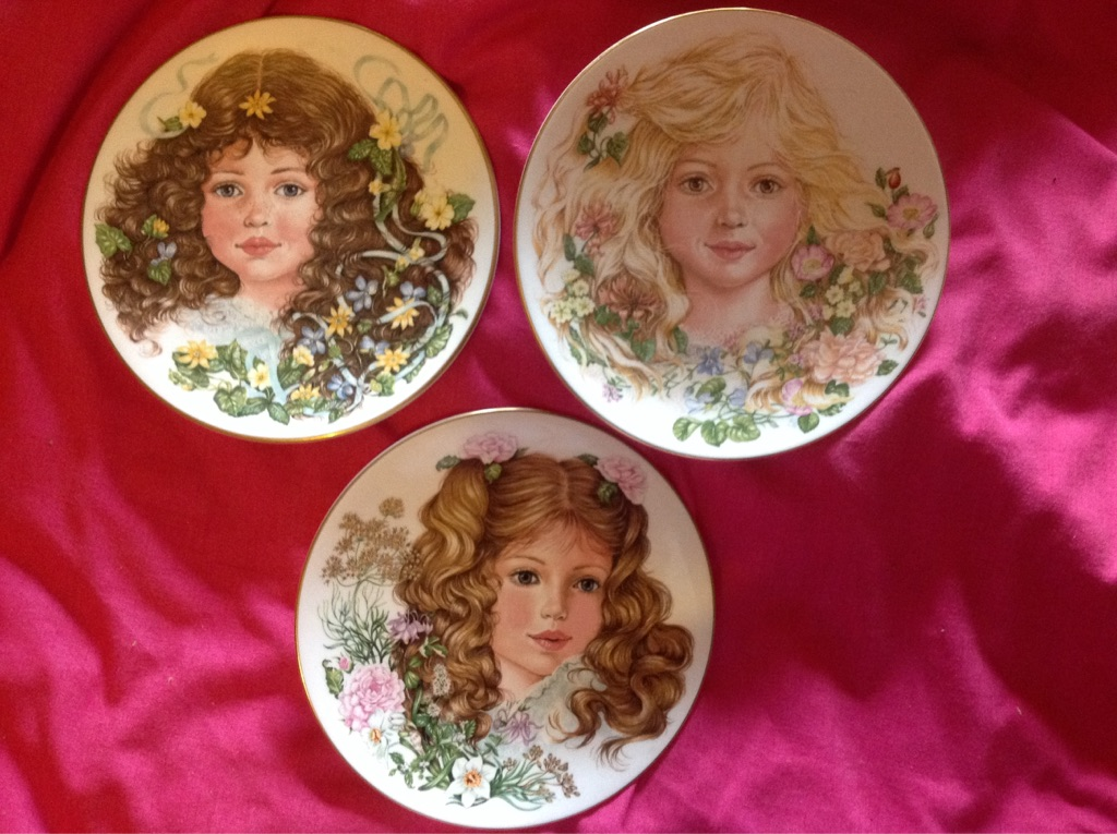 """Royal Worcester set of collectors plates """"Flowers of Innocence"""" by Lynne Wiley"""