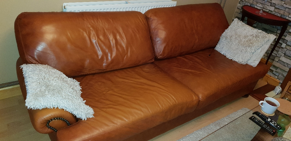Leather sofa,  2 x armchair and footstool