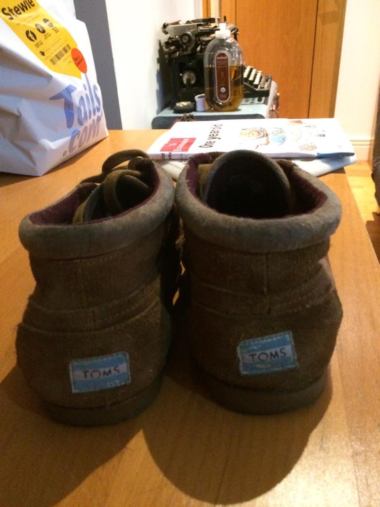 Men's Shoes - Toms brand
