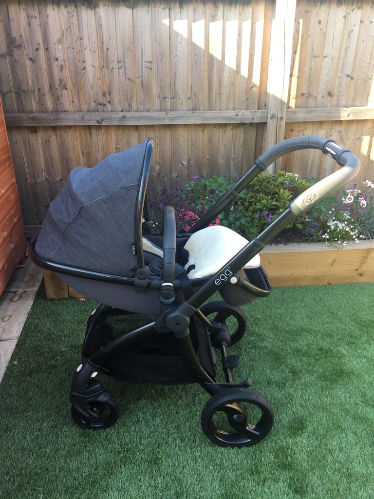 Grey quantum egg limited edition stroller with carrycot