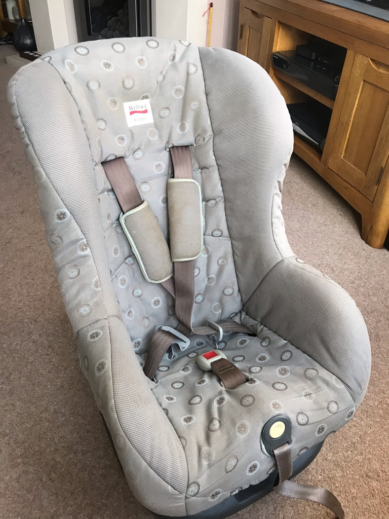 Britax Eclipse car seat. Suits 9kg-18kg child. Never in an accident. Is clean & super condition.