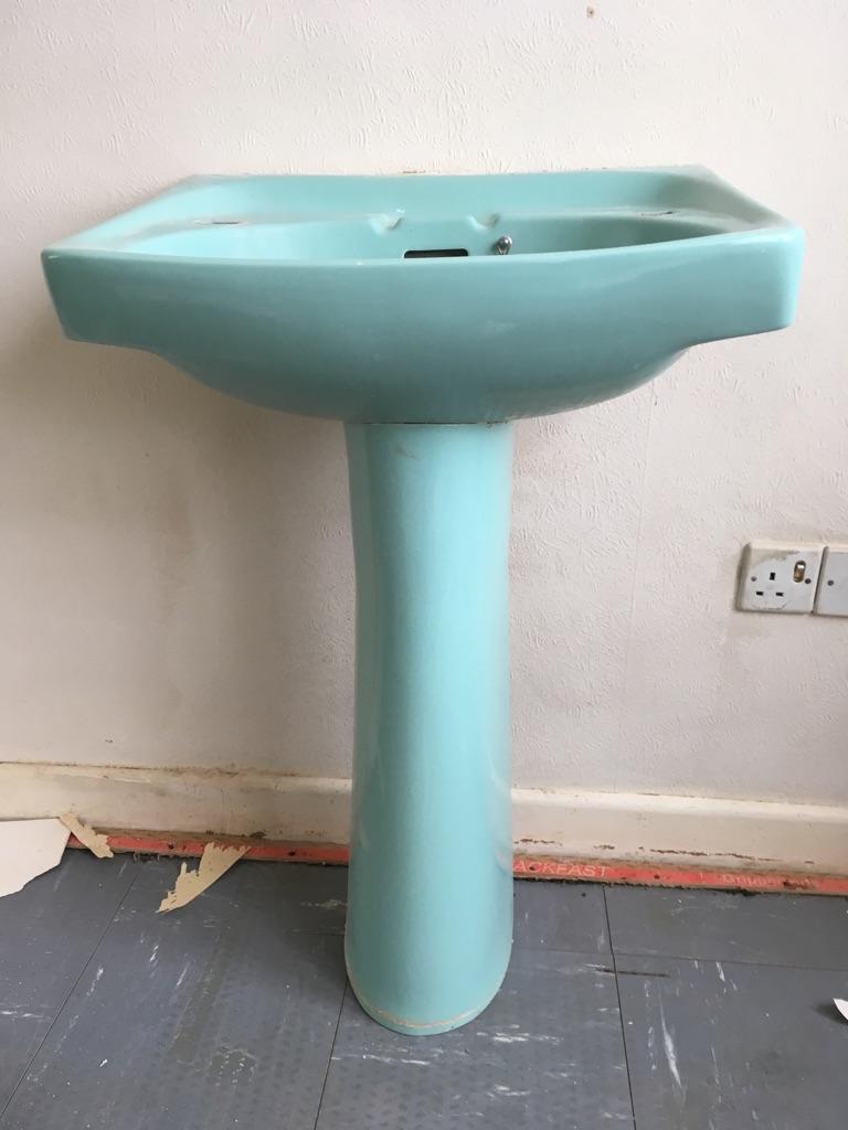 Turquoise bath and wash basin