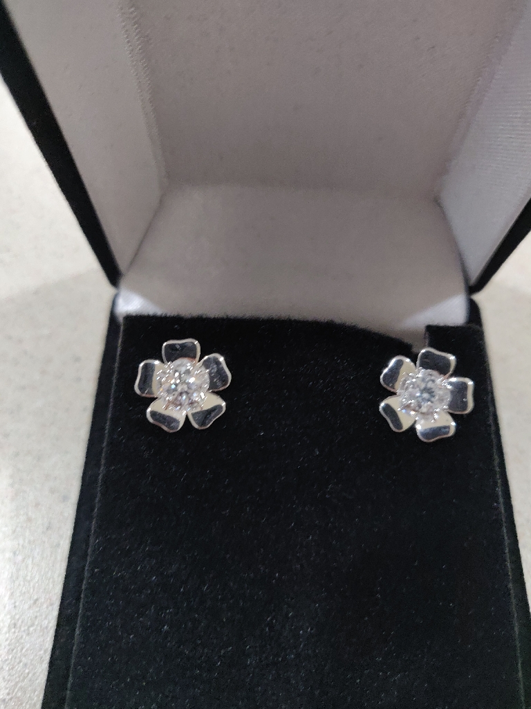 1 Piece Diamond Small earrings