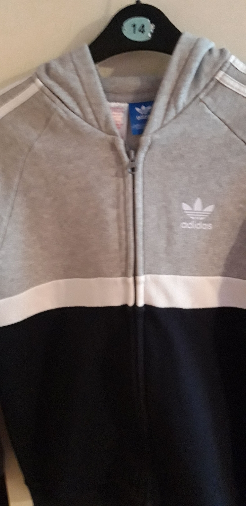 BOYS ADIDAS ZIPPER VGC £4 SPOTTLESS