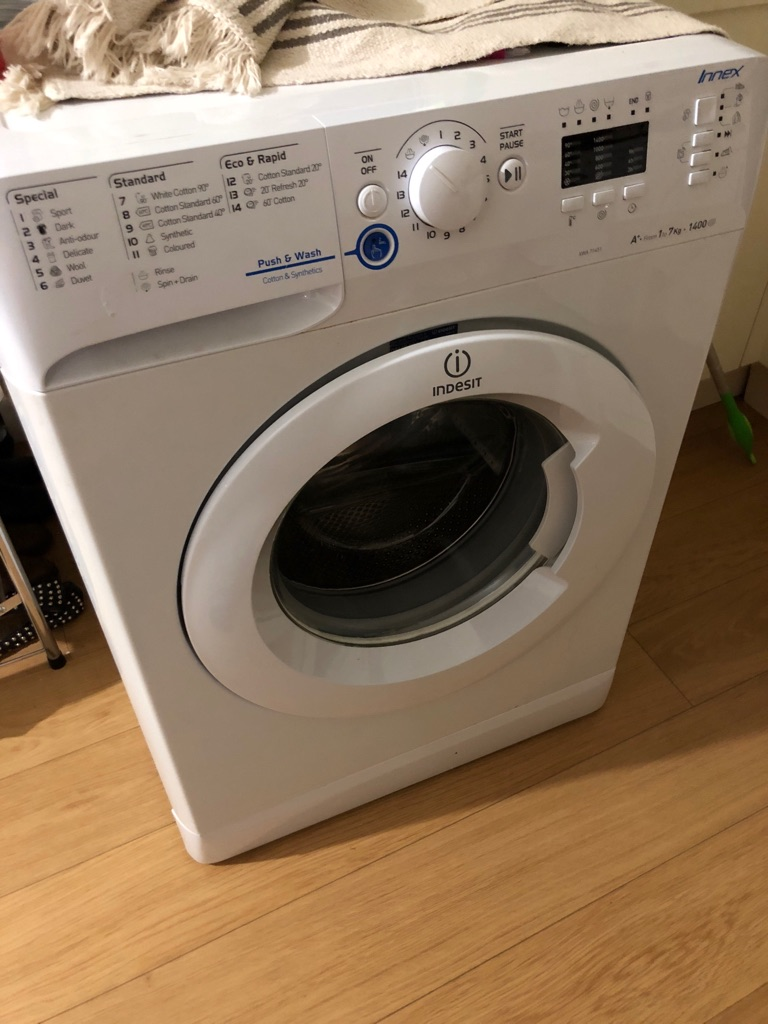 Indesit Washing Machine 7kg 1400rpm (selling for parts)
