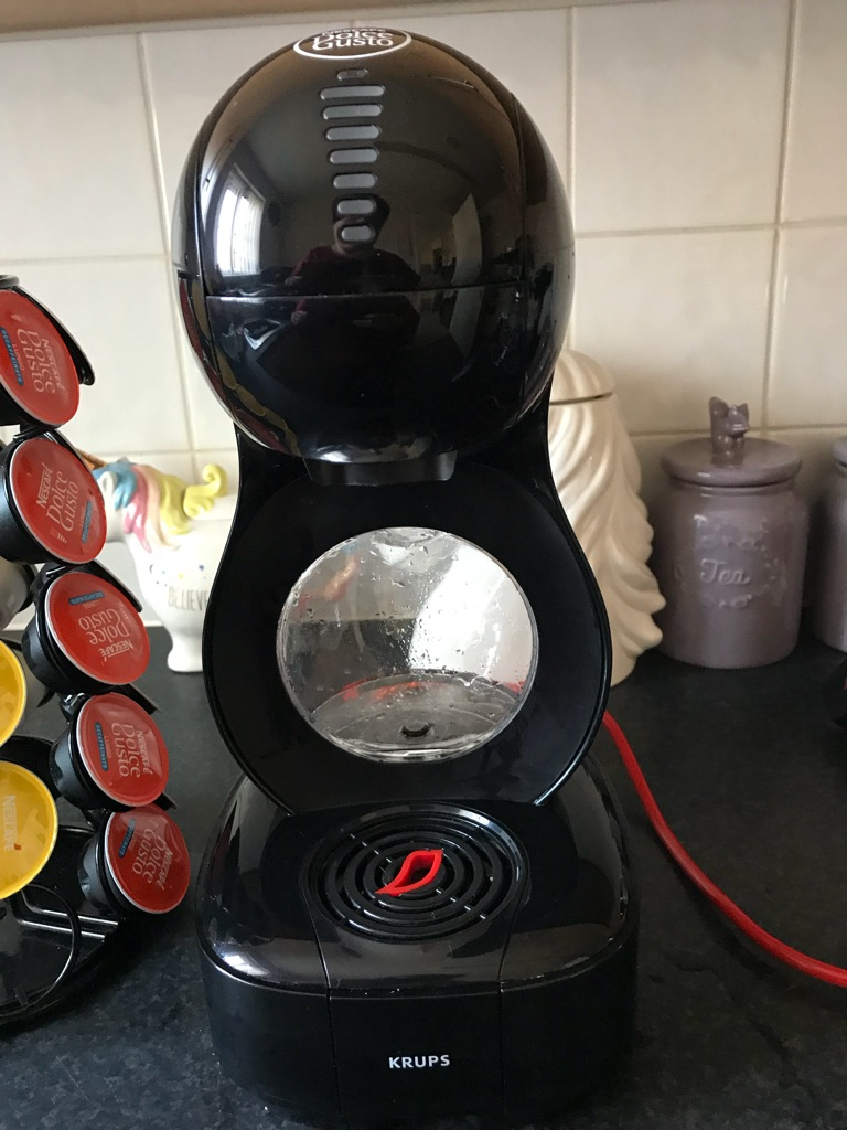 Dolce Gusto Lumio with pods and pod holder