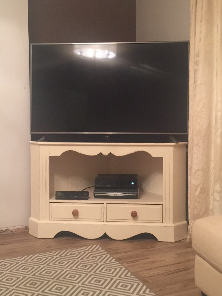 TV Corner Unit Shabby Chic