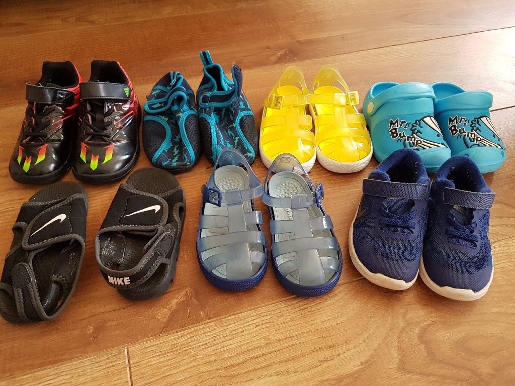 Bundle of shoes boys