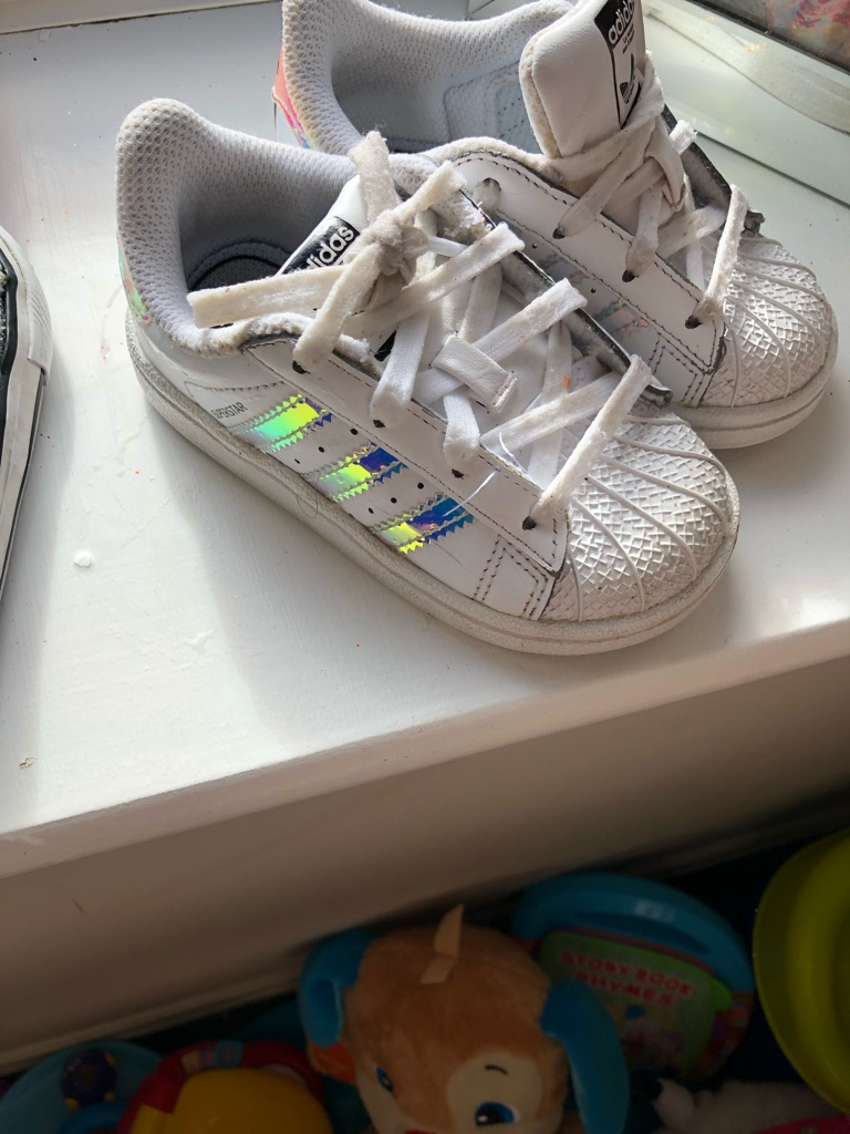 Toddler Adidas superstar size 6