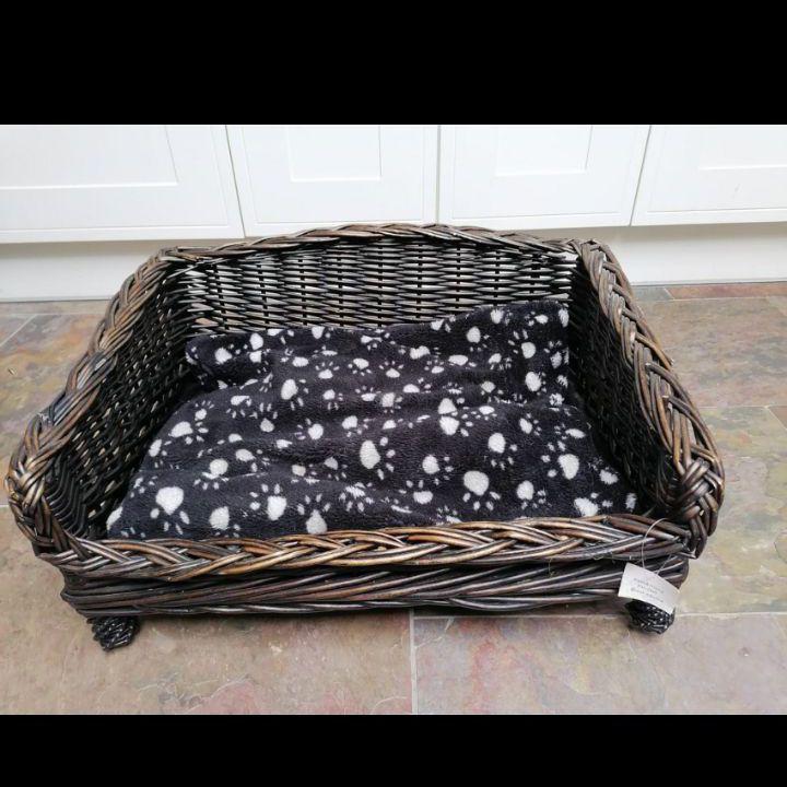 Wicker basket dog bed