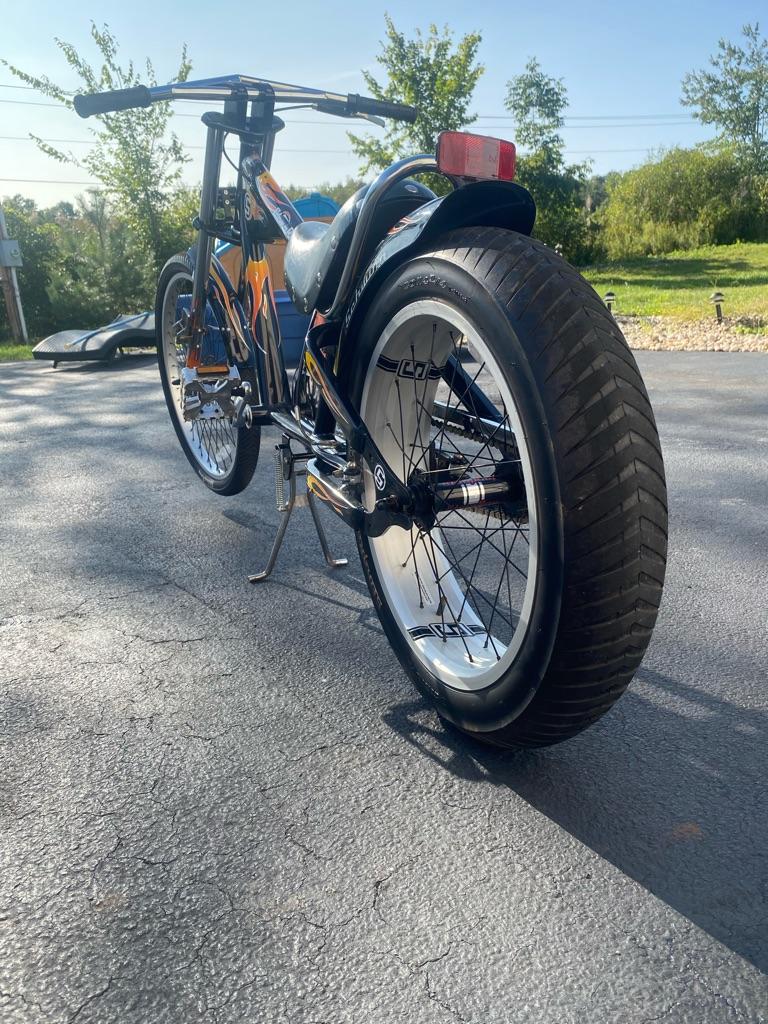 Schwinn stingray chopper bike