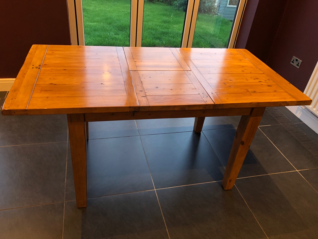 Pine dining table extendable