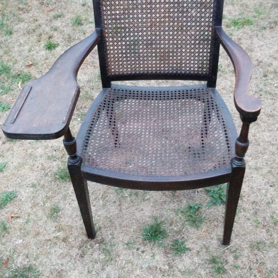 ANTIQUE WRITERS CHAIR