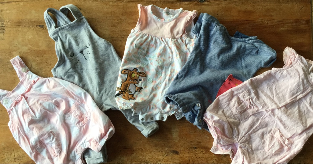 Baby clothes bundle (0-3 Months) x 23 outfits