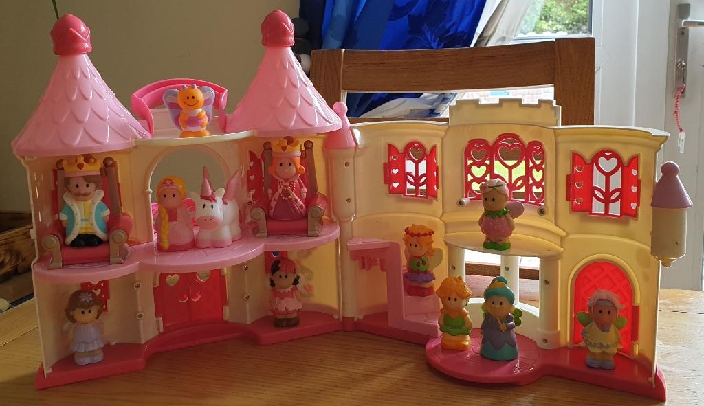 Happy Land Princess Castle and figures