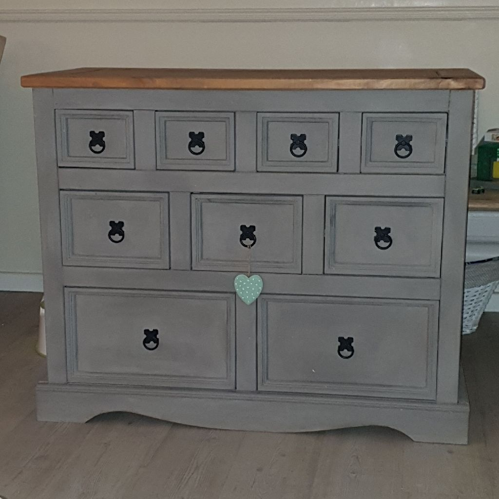 Lounge oak top unit with drawers