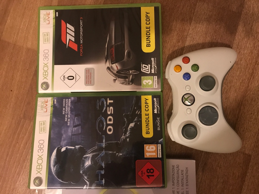 Xbox 360 console wireless controller