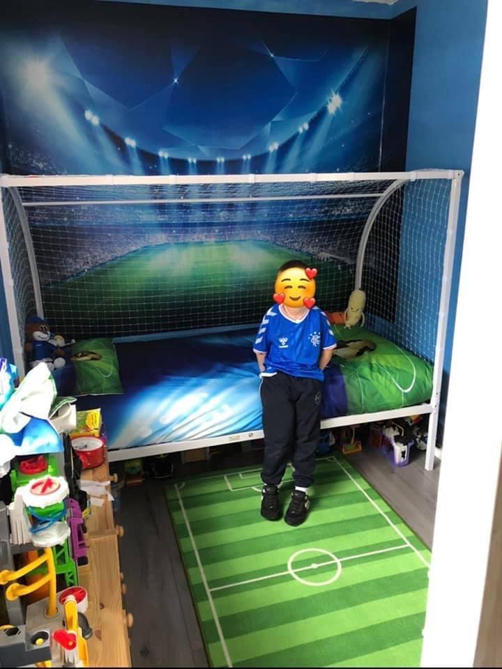 Single Football goal bed