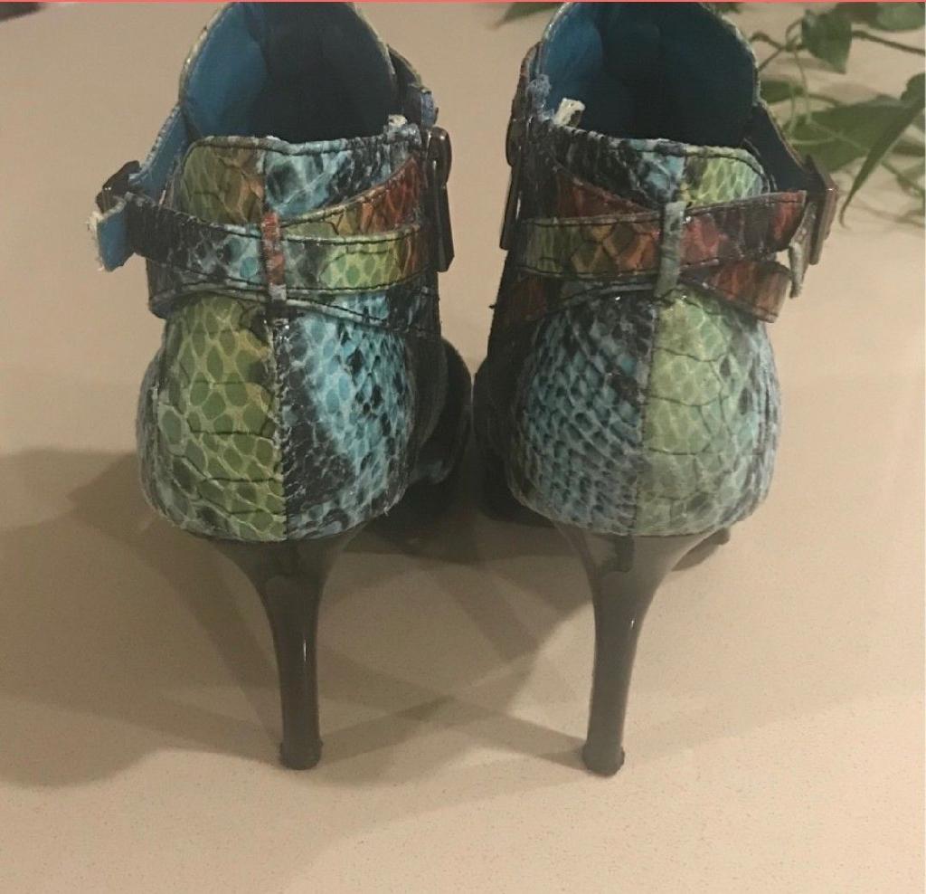 Woman shoes size