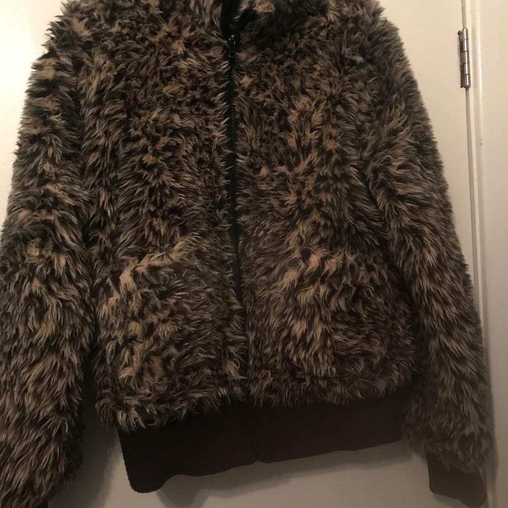 A Lovely Girls Faux Fur Coat age 12-13