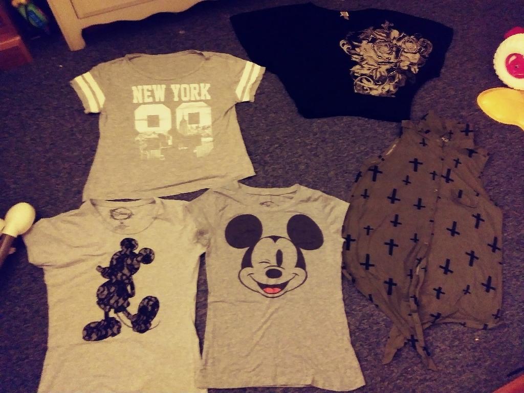 Young girls /women's shirts