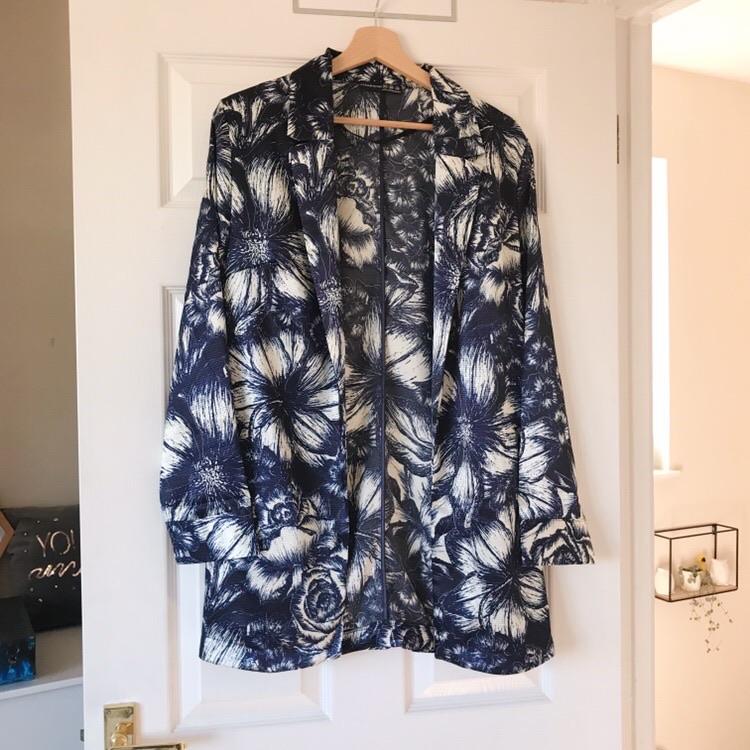 Primark Navy Blue and White Tropical Flower Print Blazer Jacket