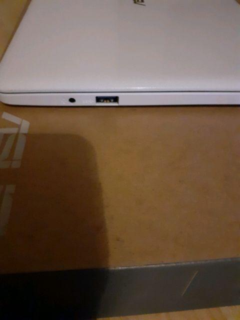Asus vivobook E203NA laptop/pc