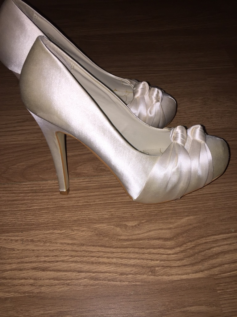 Wedding shoes new