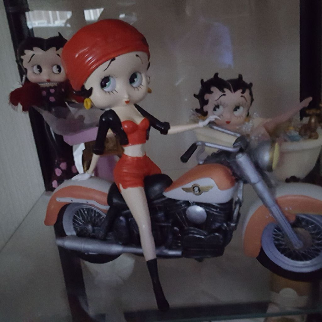 Betty boop bike, Betty Danbury Mint & Betty in bath all in vgc no time wasters please