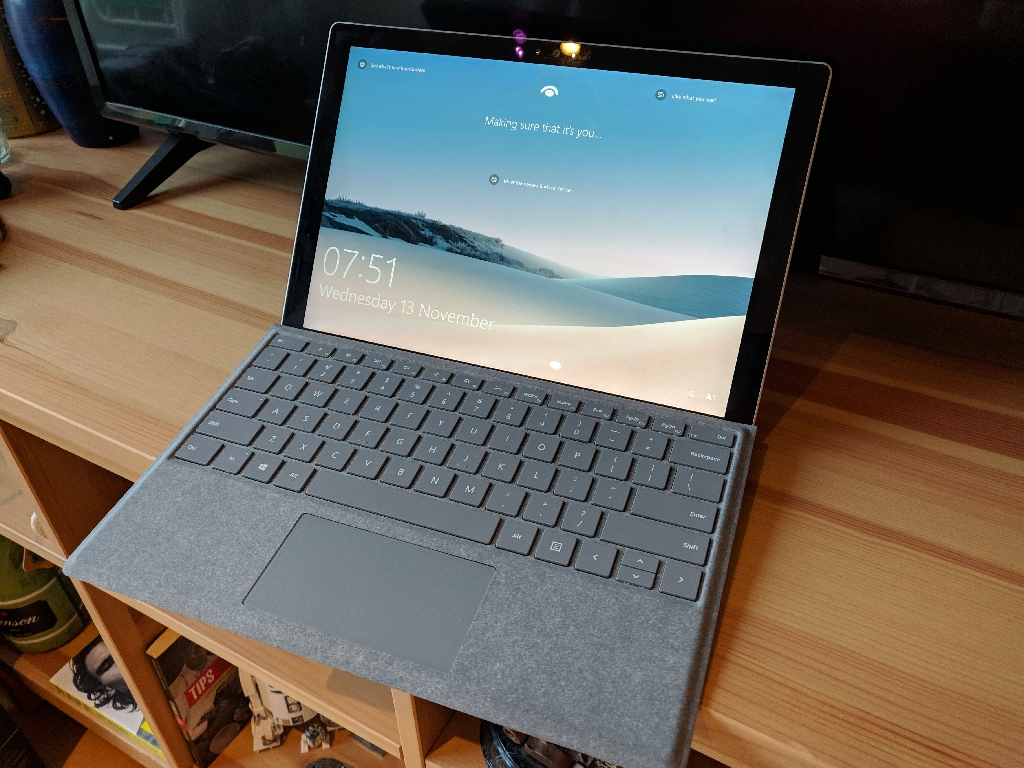 Microsoft Surface Pro 4 i5 8gb 256gb + Alcantara Signature type cover