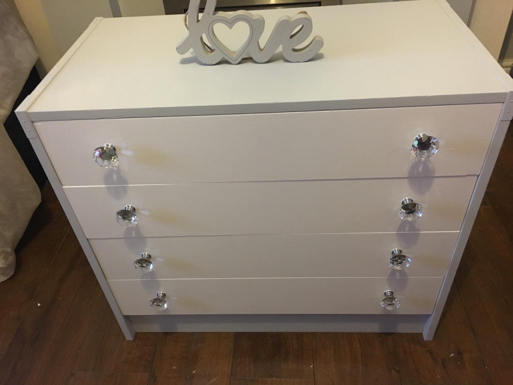 Misty  grey and white chest