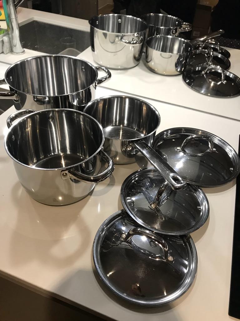 Pots Excellent condition