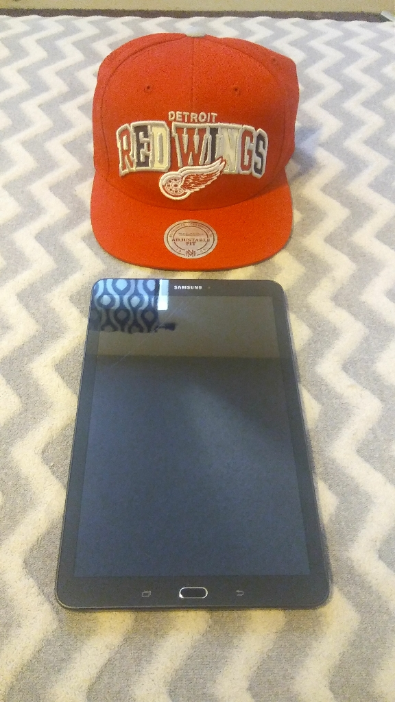 SAMSUNG GALAXY TAB E & DETROIT RED WINGS MITCHELL & NESS SNAPBACK
