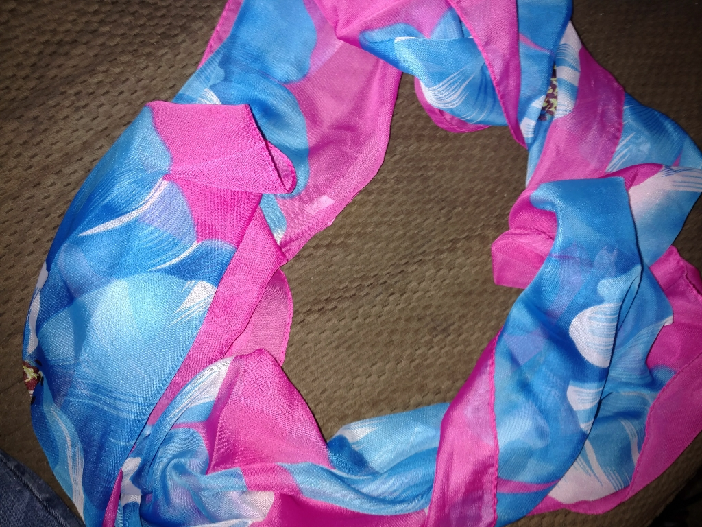 BRAND NEW BRIGHT BLUE PINK VINTAGE SCARF