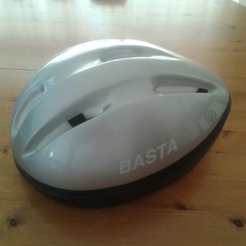 Teen/adult bicycle helmet