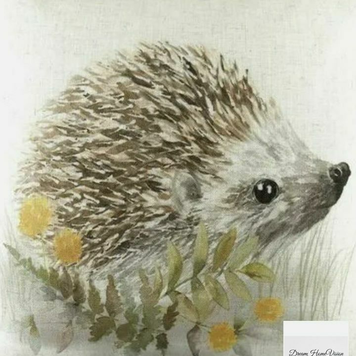 💕This cutie has been added to the website.💕 EVANS LICHFIELD WOODLAND HEDGEHOG CUSHION COVER (ONE SIZE) (WHITE/GREEN/BROWN)