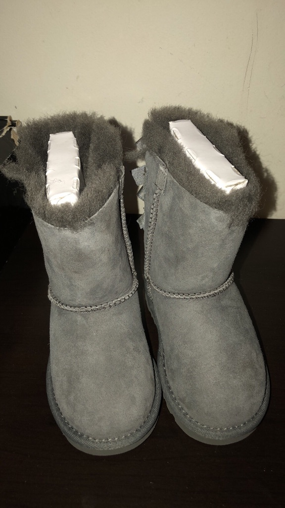 Toddler ugg boots size 7c BRAND NEW