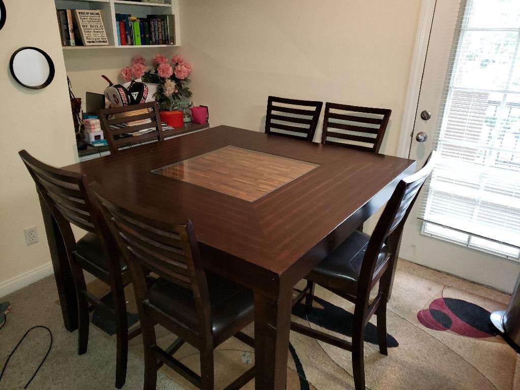 Stunning 7 piece dining set