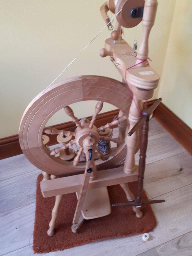 Ashford Traveller Spinning Wheel Village