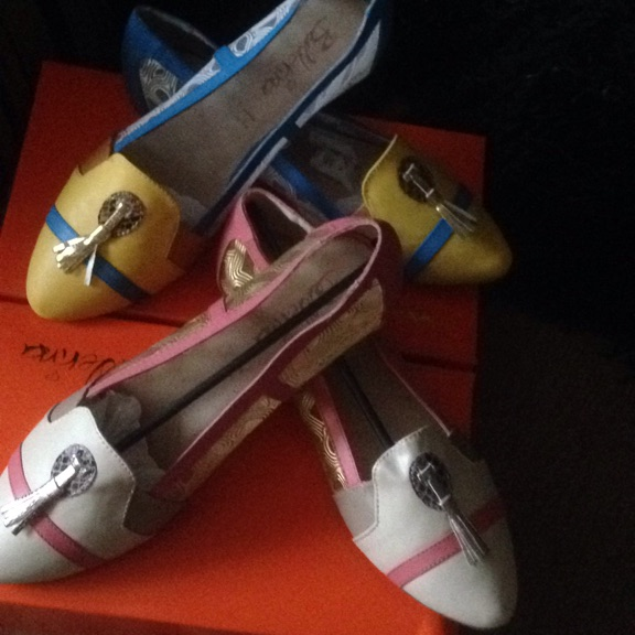 2 pairs of size 41(8) Gorgeous flat shoes new in box